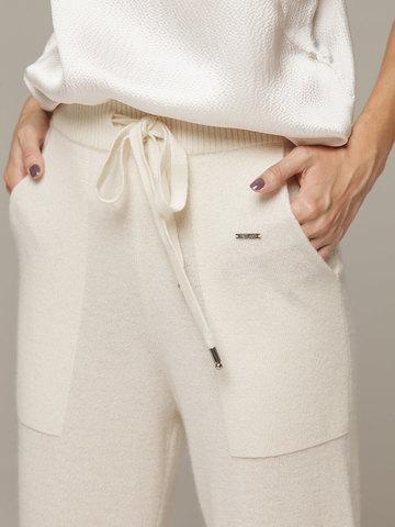Женские белые брюки с карманами из 100% кашемира - фото 3
