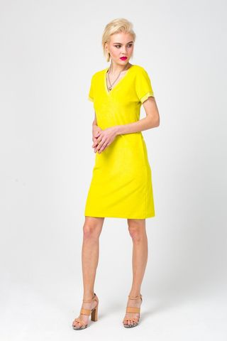 Фото приталенное яркое желтое платье из вискозы - Платье З361-299 (1)