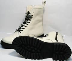 Белые ботинки на толстой подошве женские зимние Ari Andano 740 Milk Black.