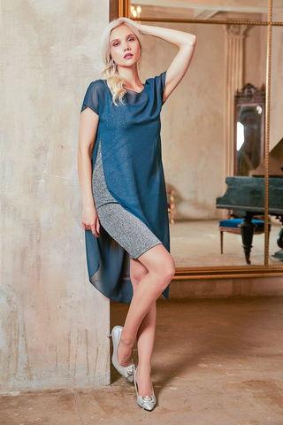 Фото короткое серебристое прилегающее платье с лёгкой накидкой - Платье З431-217 (1)