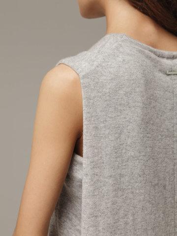 Женское серое платье свободного кроя без рукавов из 100% кашемира - фото 4