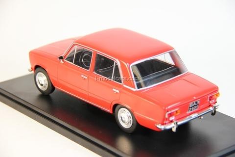 VAZ-2101 Zhiguli Lada red 1:24 Legendary Soviet cars Hachette #4