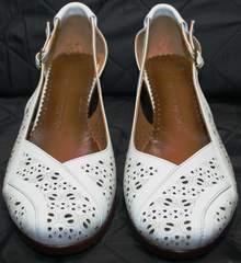 Стильные туфли на низком каблуке Marani Magli 031 405 White.