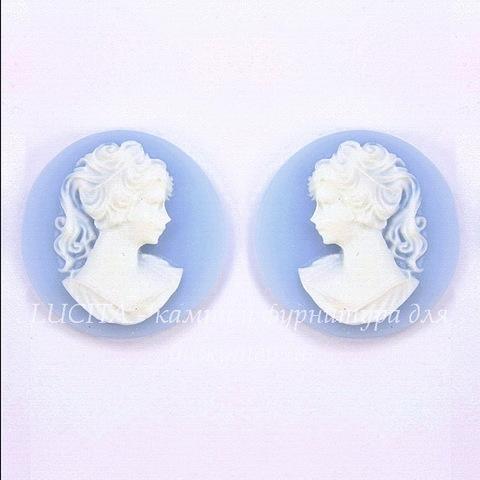 """Камея """"Девушка с хвостиком"""" белого цвета на голубом фоне 18 мм, пара"""