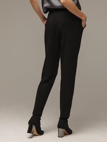 Женские черные брюки с карманами - фото 3
