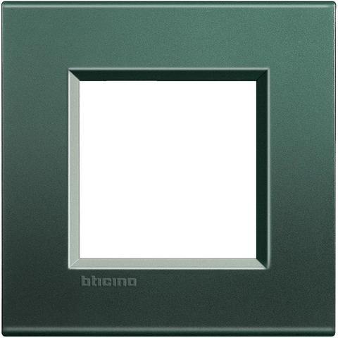 Рамка 1 пост, прямоугольная форма. ШЁЛК. Цвет Зелёный шёлк. Немецкий/Итальянский стандарт, 2 модуля. Bticino LIVINGLIGHT. LNA4802PK