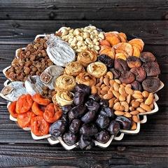 Подарочная корзина орехов и сухофруктов, 2,4 кг, №11