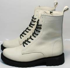 Ботинки женские зимние на шнуровке Ari Andano 740 Milk Black.