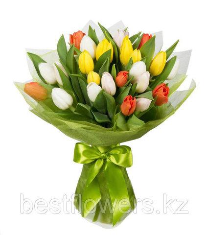 Букет из разноцветных тюльпанов 3