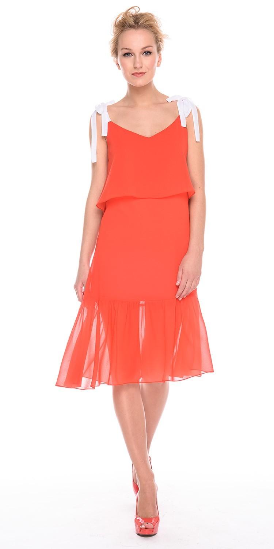 Платье З189а-901 - Женственное, яркое платье для лета. Регулируемые бретели контрастного оттенка позволяют подгонять платье точно по фигуре. Шифоновый подол-оборка придает образу романтичности и легкости. Платье идеально подойдет для отпуска на море или для прогулок в городе.