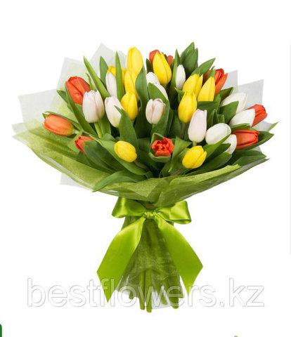 Букет из разноцветных тюльпанов 4
