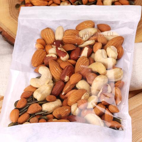 полезная смесь из орешков