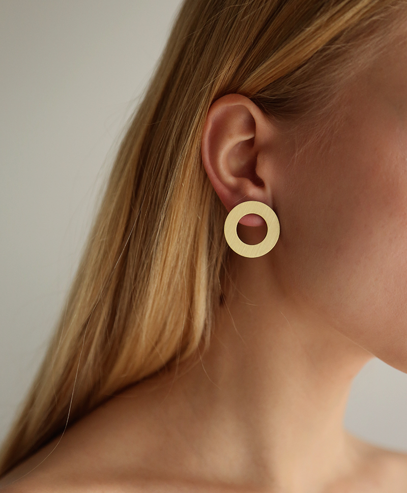 Серьги Disc II Studs Brushed Brass