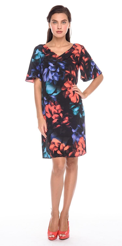 Платье З190-591 - Эффектное летнее платье из 100% вискозы украшено широкими лентами по спинке. Яркий цветочный принт делает платье ярким выбором для праздничного мероприятия. Ленты на спине можно завязать в бант или оставить ниспадающими, меняя платье под выбранный образ.