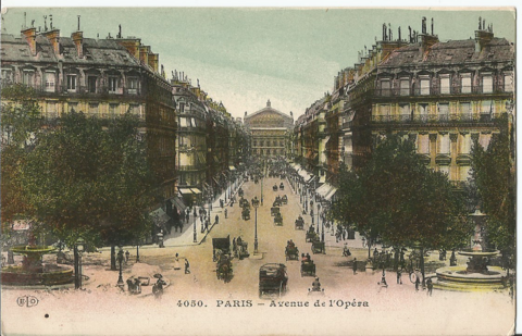 Paris - Avenue de l`Opera
