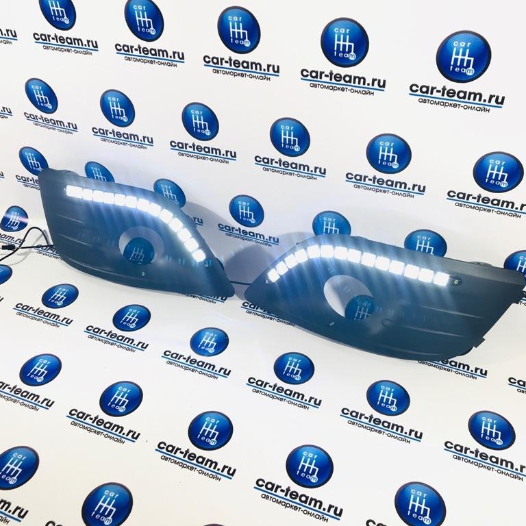 Рамки противотуманных фар (ПТФ) на Лада Ларгус с ДХО + плавающие поворотники