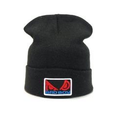 Вязаная шапка с вышивкой Бэд Бой (Bad Boy) черная