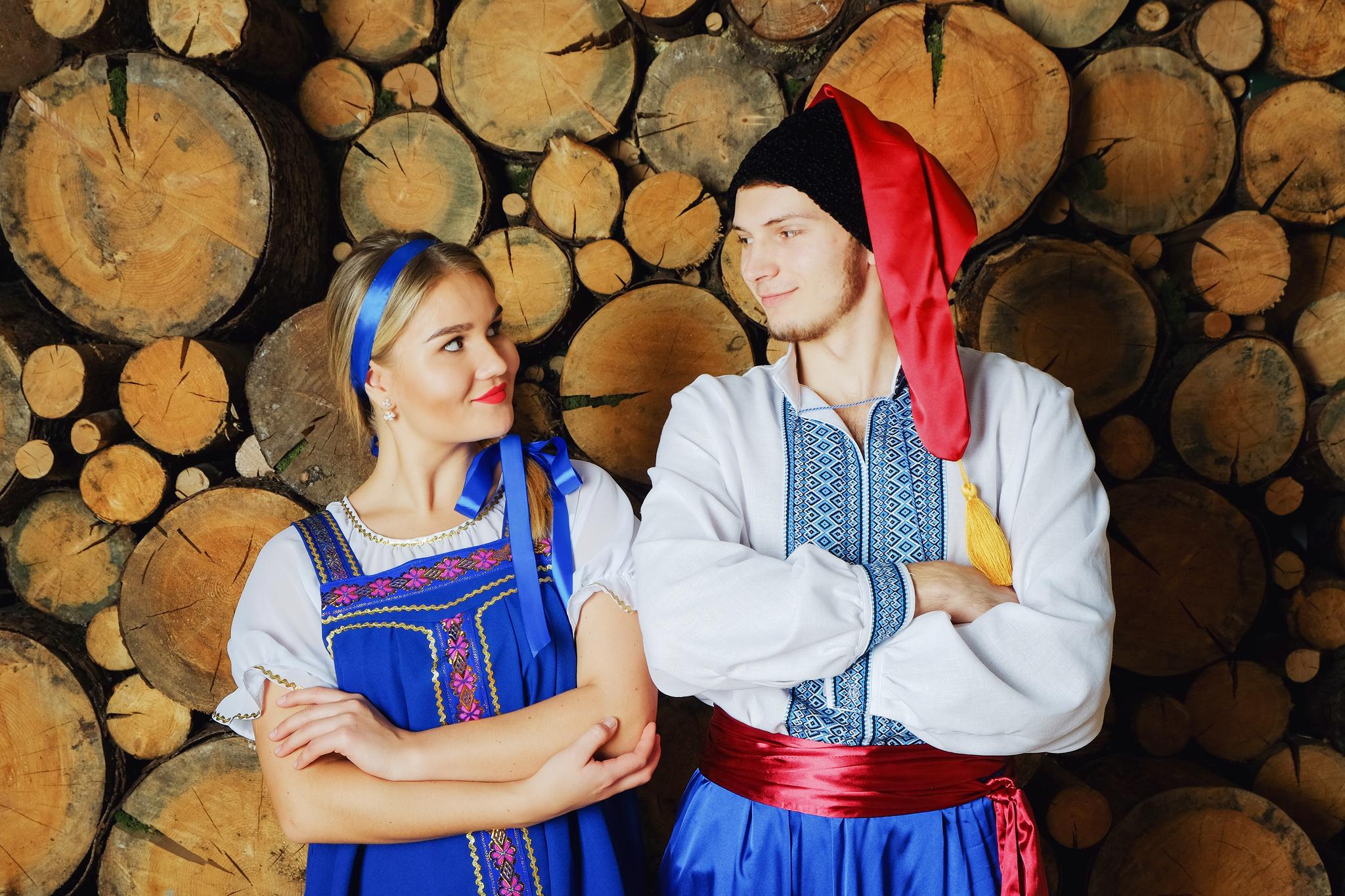 народный украинский костюм увеличенный фрагмент