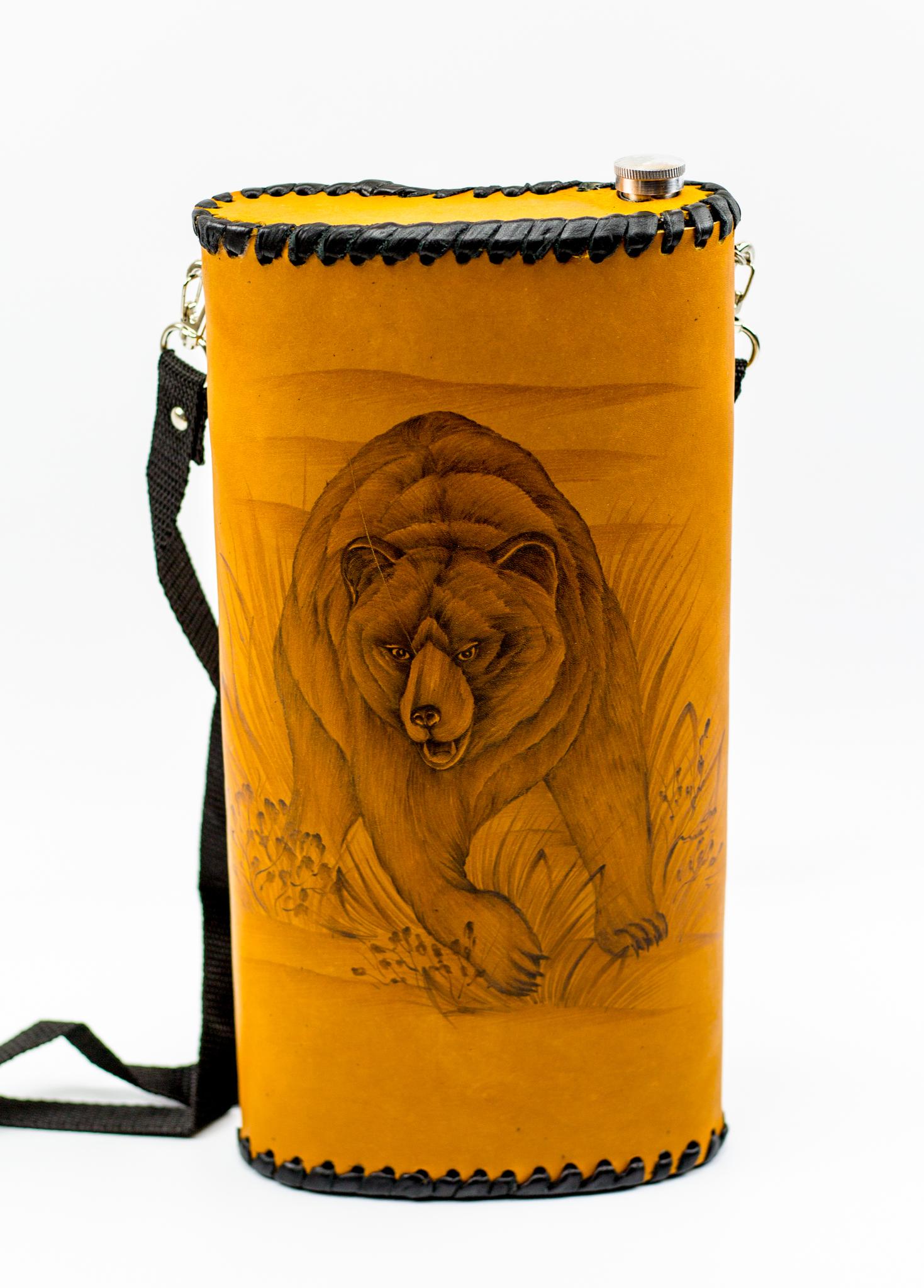 Фляга «Медведь», натуральная кожа с художественным выжиганием, 2 л фляга c оленем натуральная кожа 900 мл