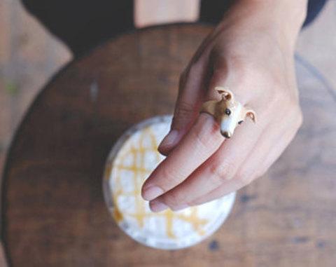 Кольцо Левретка (коричневая)