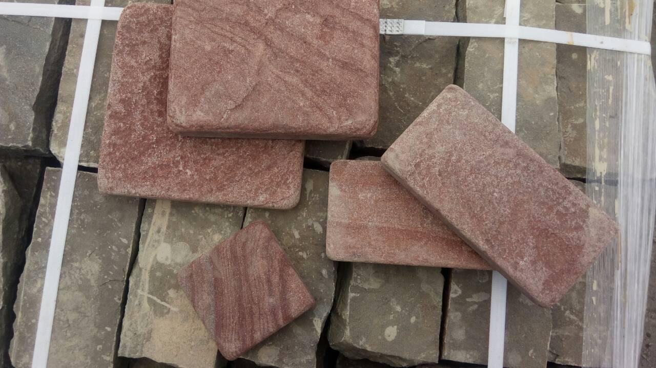 Брусчатка песчаник пилено-галтованный Красный Венге образец
