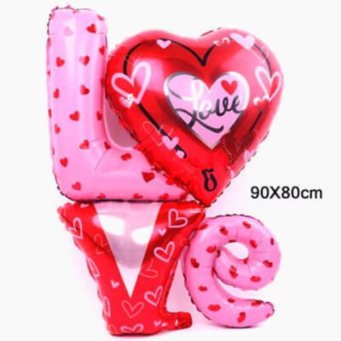 Фигура буквы LOVE сердечки