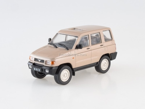 UAZ-3160 1998-2003 pearly-beige 1:43 DeAgostini Auto Legends USSR #228