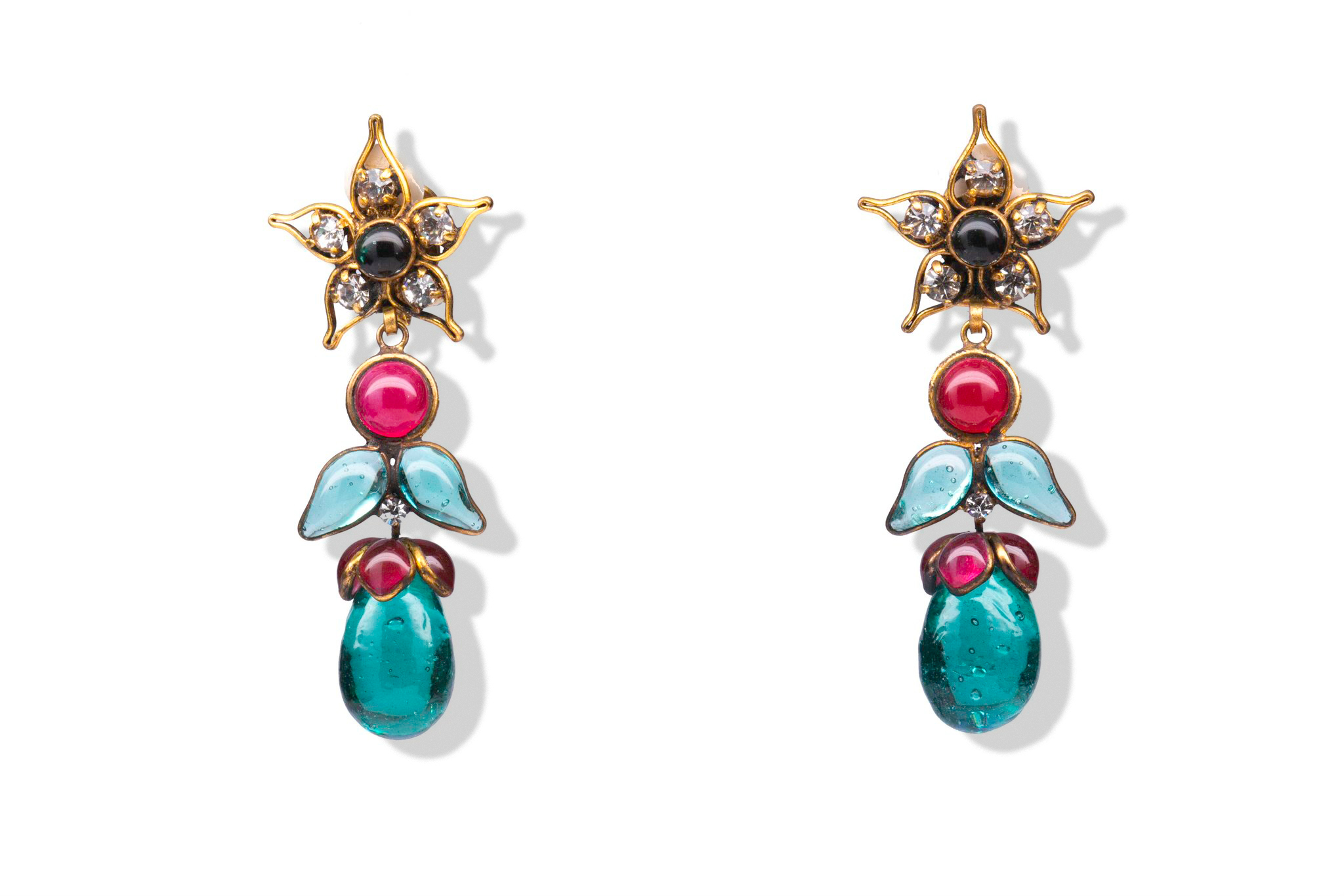 Rare Chanel clip-on earrings with Gripoix glass