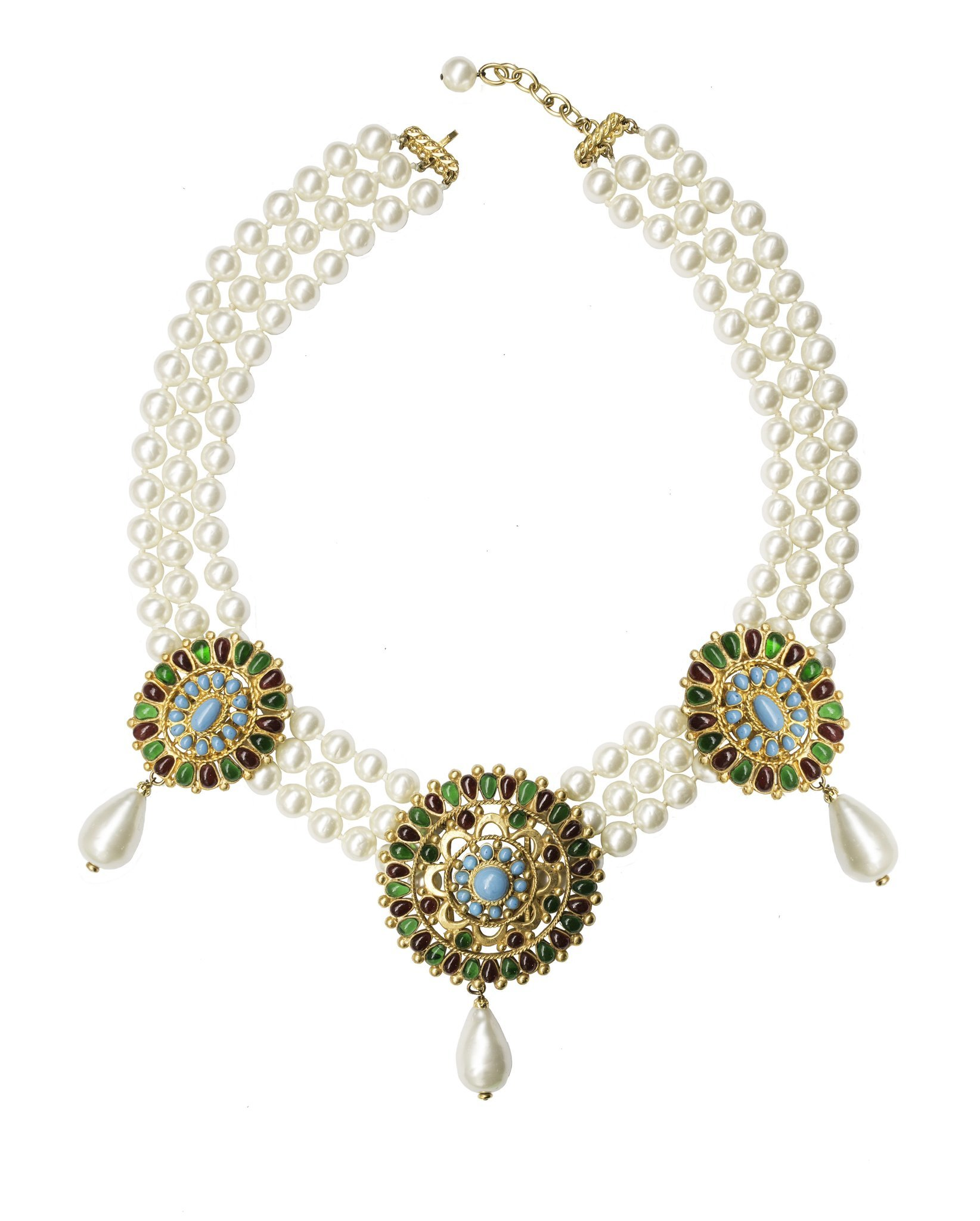 Gorgeous vintage Chanel necklace in Byzantine style with pearls and Gripoix glass