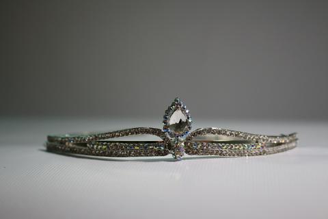 Корона серебряная (арт.4002 капля)