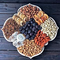 Подарочная корзина орехов и сухофруктов, 2,6 кг, №12
