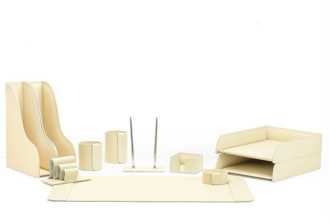 Набор в кабинет руководителя 11 предметов из кожи цвет Treccia/слоновая кость