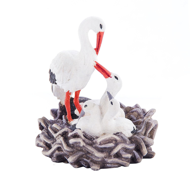 Деревянная фигурка Аист и аистята в гнезде