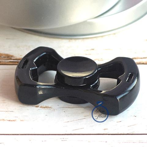 Спиннер металлический с двумя лепестками черного цвета 17011M_black
