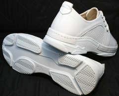 Спортивные кожаные туфли женские на плоской подошве Derem 18-104-04 All White.