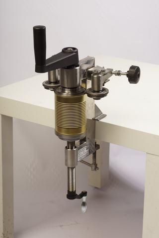 Закаточная машинка для жестяных банок