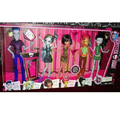 Набор из 5 кукол Мы монстры