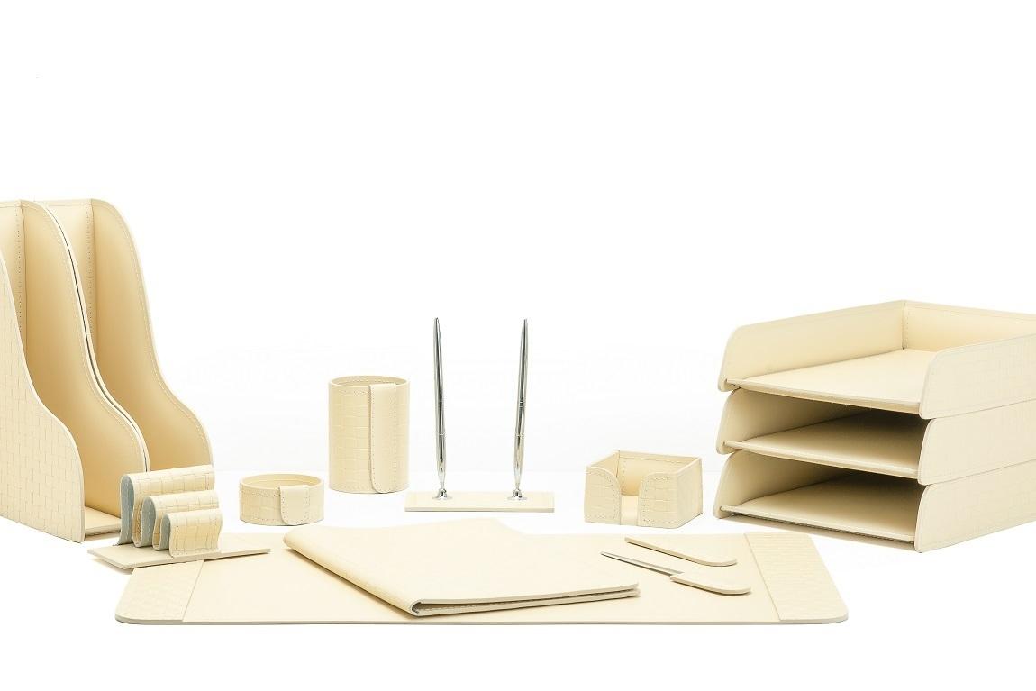 Набор настольный для руководителя из кожи Treccia/слоновая кость 12 предметов