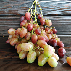 Виноград Розовый (Молдова) / 1 кг