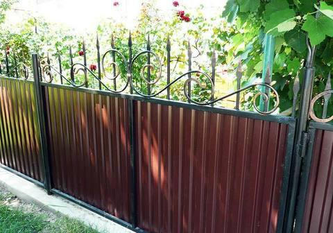 Кованый забор с профнастилом N-4