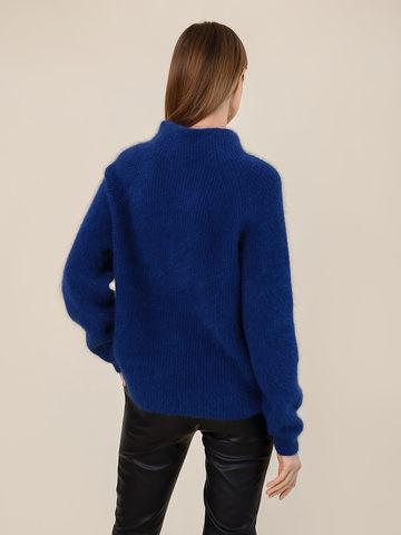 Женский свитер синего цвета из ангоры - фото 4