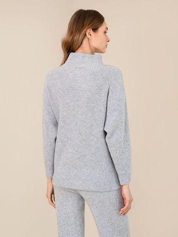 Женский свитер светло-серого цвета из шерсти и кашемира - фото 4