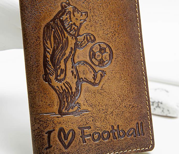 BY144105 Прикольная обложка на паспорт с медведем «I Love Football» фото 02