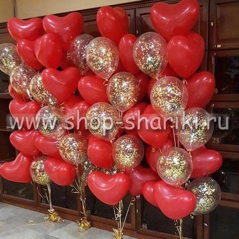 фонтан из шаров сердец и шаров с золотым конфетти