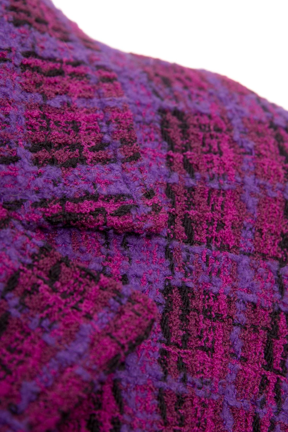 Удлиненный сиренево-фиолетовый твидовый жакет с поясом от Chanel, 42 размер