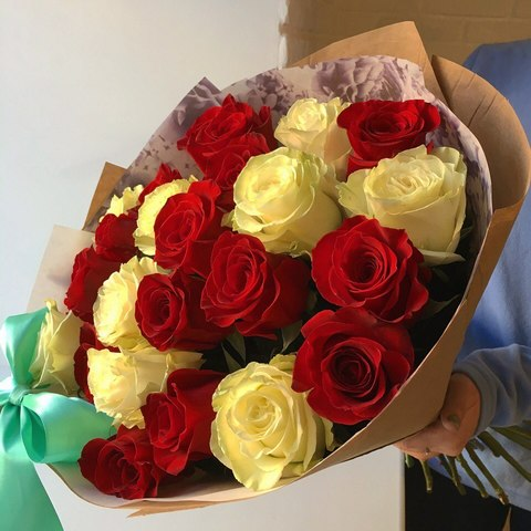 23 розы 50 см в оформлении #1773