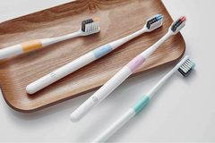Зубная щетка DOCTOR·B Green (Bass method)