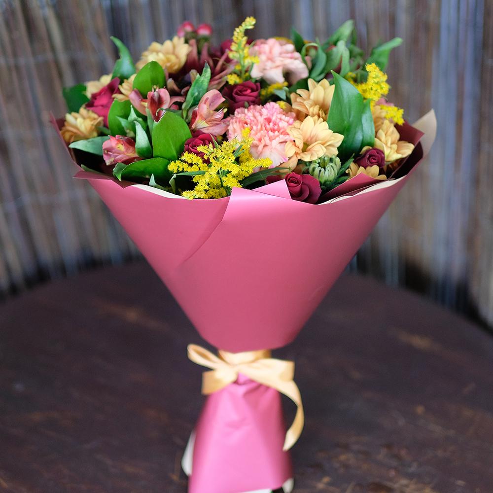 Яркий осенний букет хризантема альстромерия купить в Перми