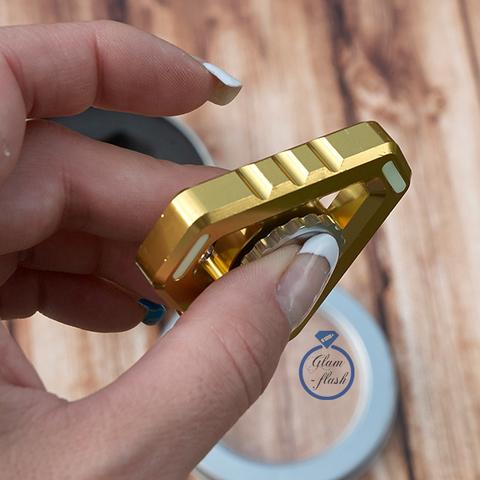 Спиннер из металла треугольной формы золотого цвета 17001TR_gold