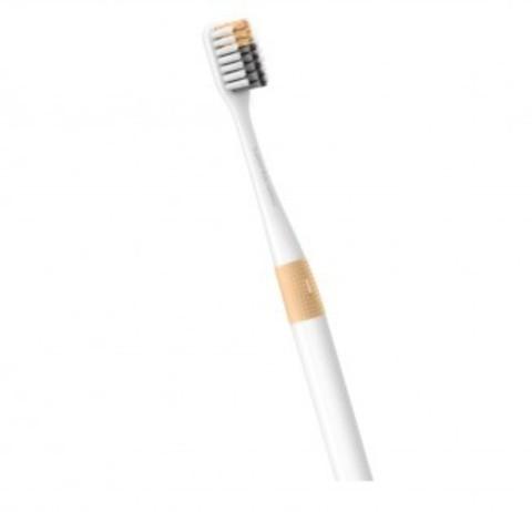 Зубная щетка DOCTOR·B Orange (Bass method)